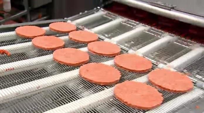 McDonald's, Burgerlarının İçindeki Maddeyi Açıkladı ve Sonuç Pek İç Açıcı Değil