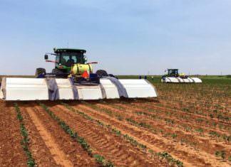 """John Deere, traktörleri için """"Yapay Zeka"""" startup'ını satın aldı"""