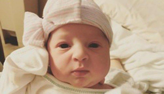 24 Yıl Önce Dondurulan Embriyodan Sağlıklı Bir Bebek Dünyaya Geldi!