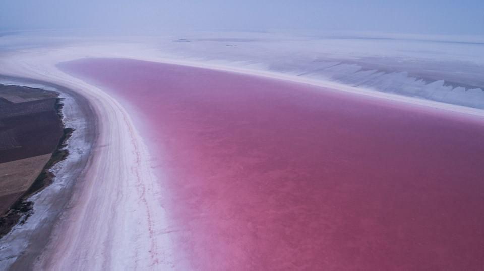 Türkiye'nin 2. Büyük Gölü Olan Tuz Gölü, Pembe Renge Büründü