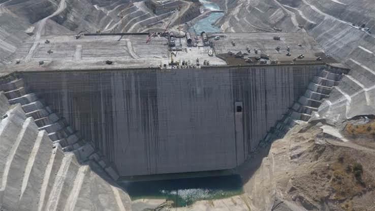 Türkiye ve Avrupa'nın En Büyük Barajında Su Tutulmaya Başlandı