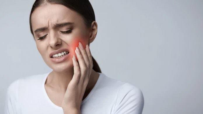 Diş Çürükleri İçin Dolgusuz Bir Tedavi Yöntemi Keşfedildi