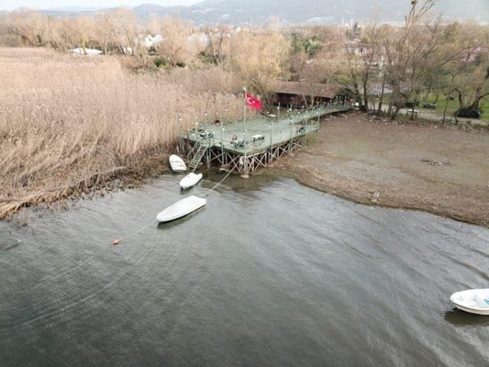 Sapanca Gölü'nde kuraklık: Sular 20 metre çekildi